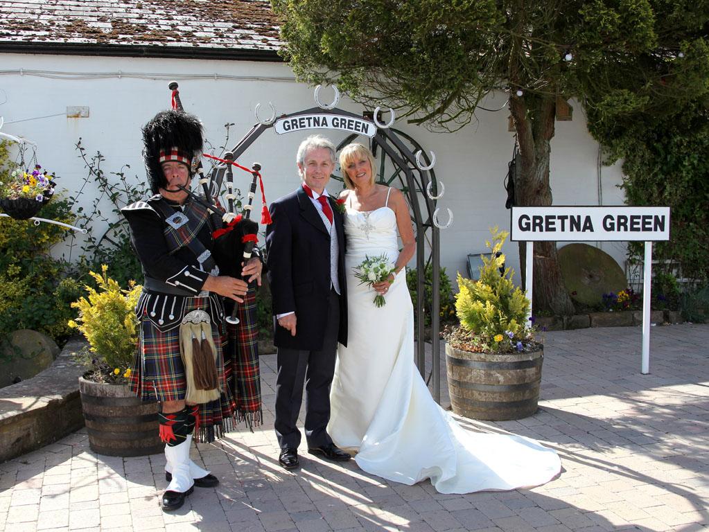Gretna Green Weddings At The Gretna Wedding Bureau